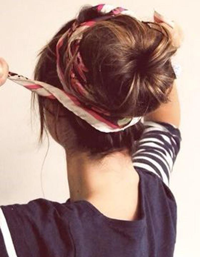 coiffure cheveux attach s longs automne hiver 2016 cheveux attach s 78 id es de coiffures. Black Bedroom Furniture Sets. Home Design Ideas