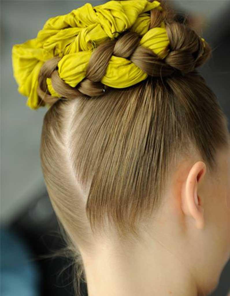 coiffure cheveux fins foulard 30 coiffures pour les cheveux fins elle. Black Bedroom Furniture Sets. Home Design Ideas