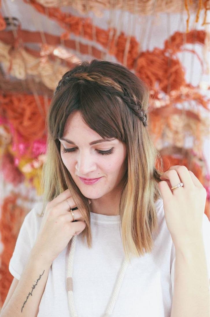 Coiffure avec frange rideau 30 id es de coiffure avec frange pour un look qui change elle for Comcoiffures avec frange