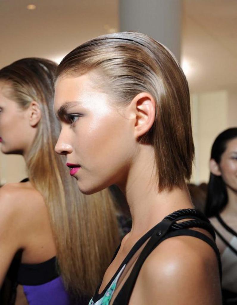 Cheveux en arriere femme