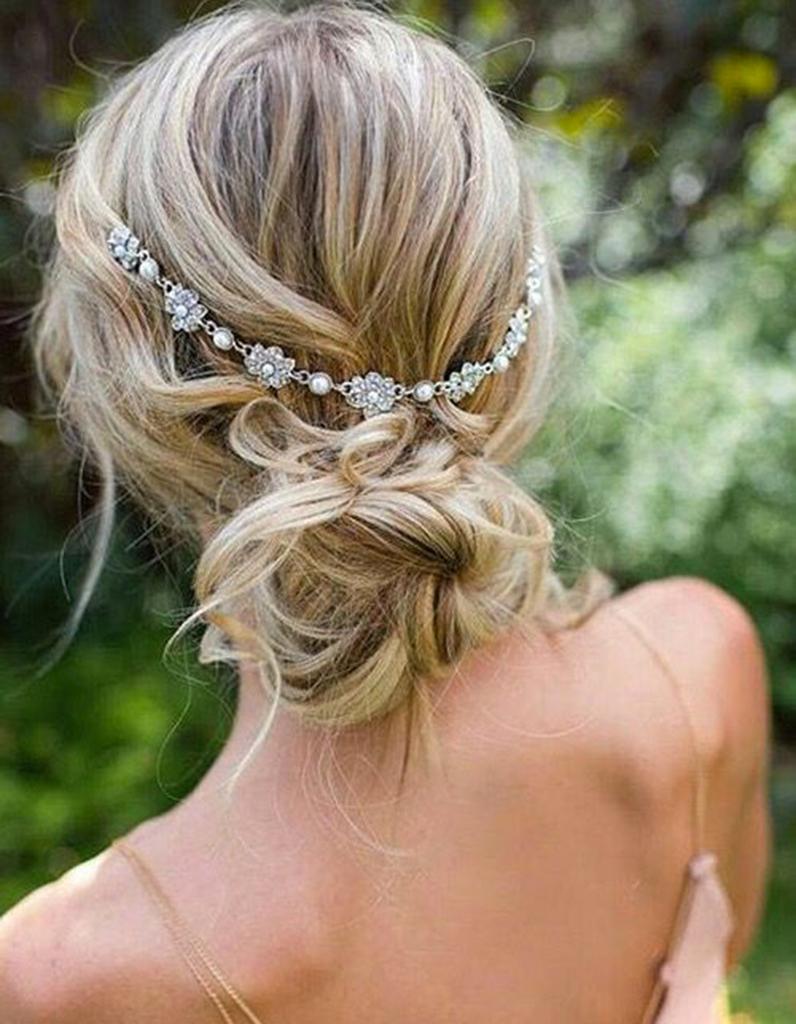 Coiffure demoiselle d 39 honneur avec bandeau headband 15 coiffures de demoiselle d honneur - Coiffure de demoiselle d honneur ...
