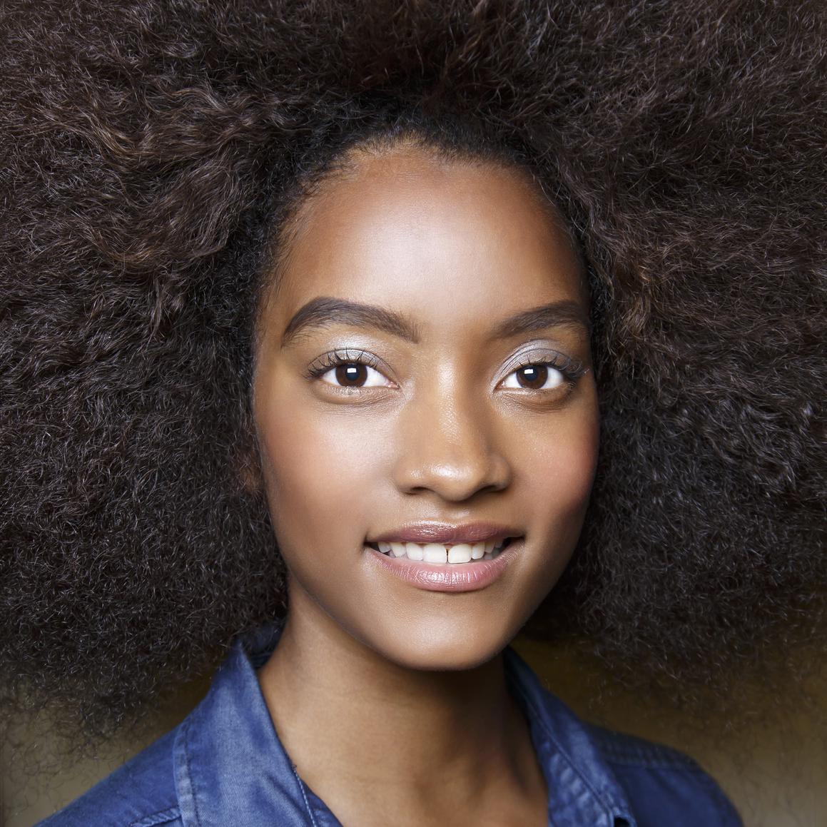 coiffure express des id es de coiffures express au quotidien elle. Black Bedroom Furniture Sets. Home Design Ideas