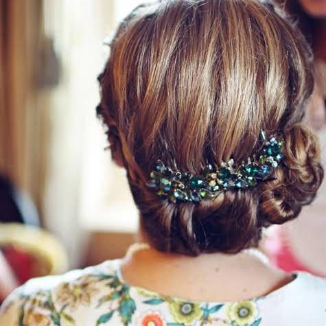 Coiffure mariage cheveux mi longs 40 coiffures de mariage rock ou sages elle Coiffure mariage facile longueur cheveux