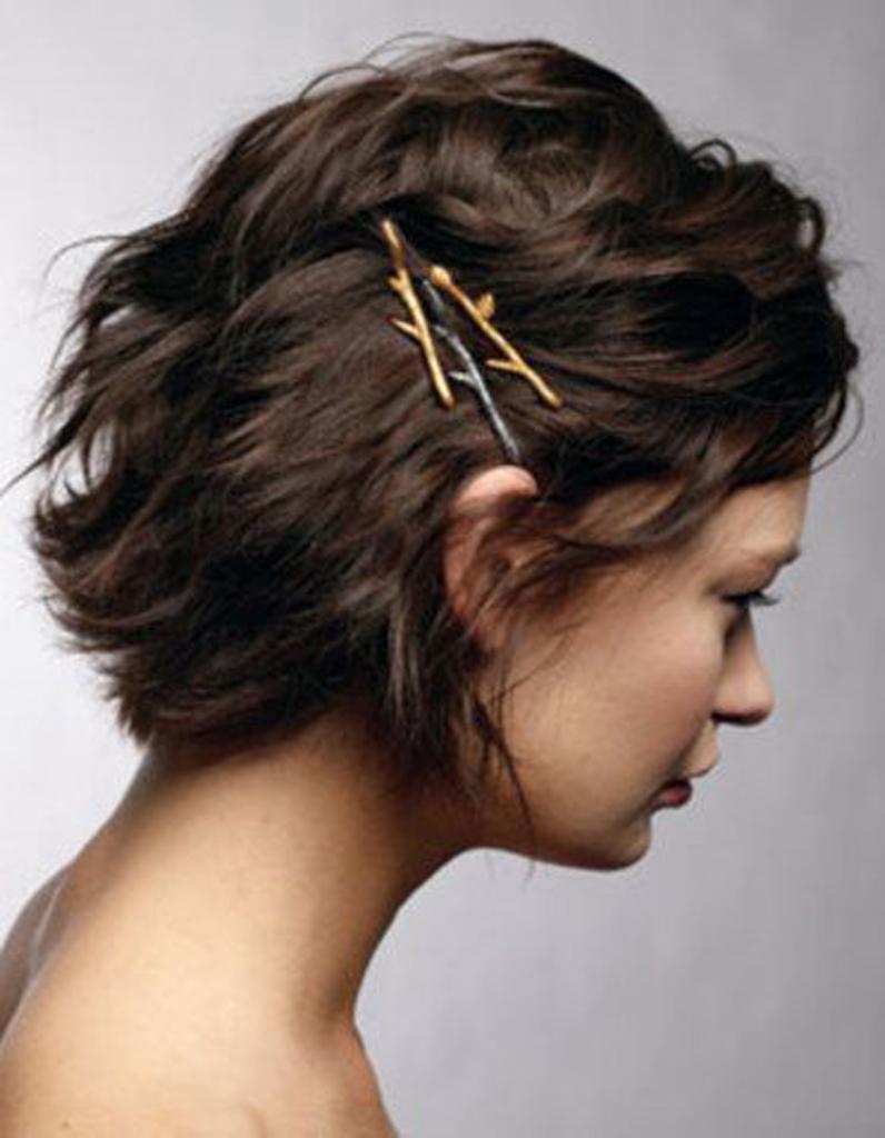 Coiffure Réveillon cheveux courts - Quelle coiffure de réveillon ...