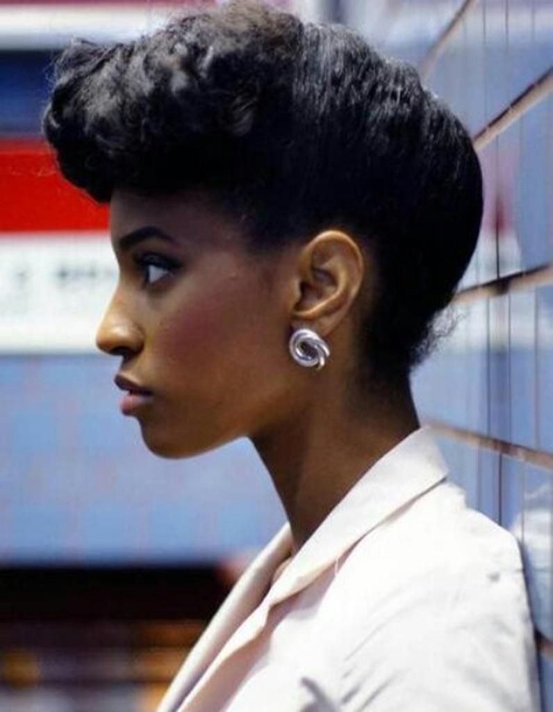 Coiffure Afro Femme Cheveux Cr Pus Hiver 2015 Coiffures Afro Les Filles Styl Es Donnent Le