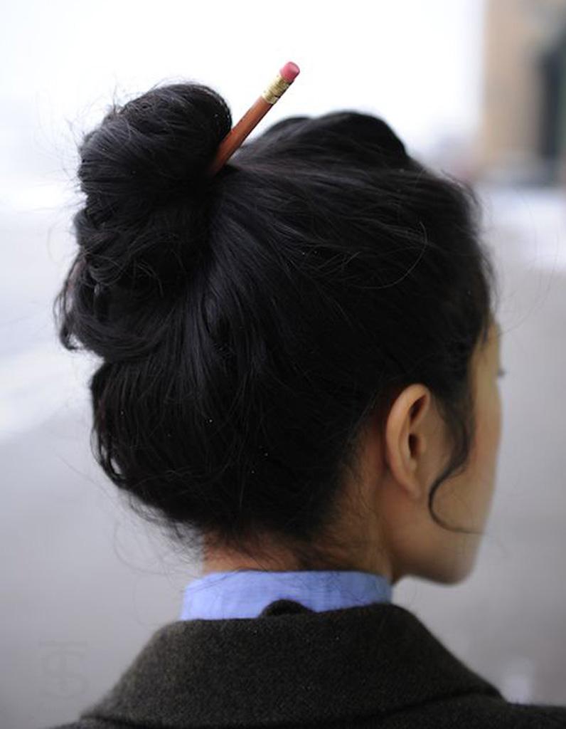 coiffure cheveux mi longs avec accessoire cheveux cheveux mi longs nos id es de coiffures. Black Bedroom Furniture Sets. Home Design Ideas