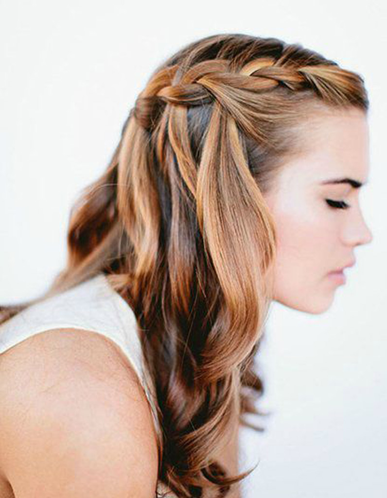 Idees coiffure cheveux mi longs attaches