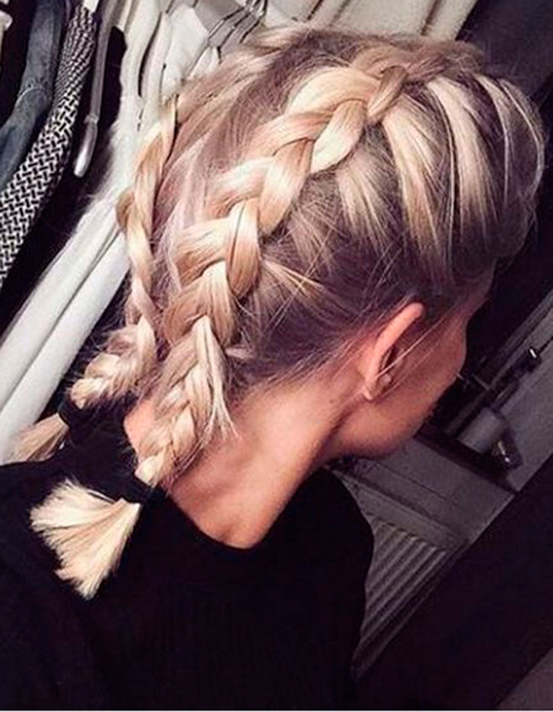 Tresse collée cheveux mi long