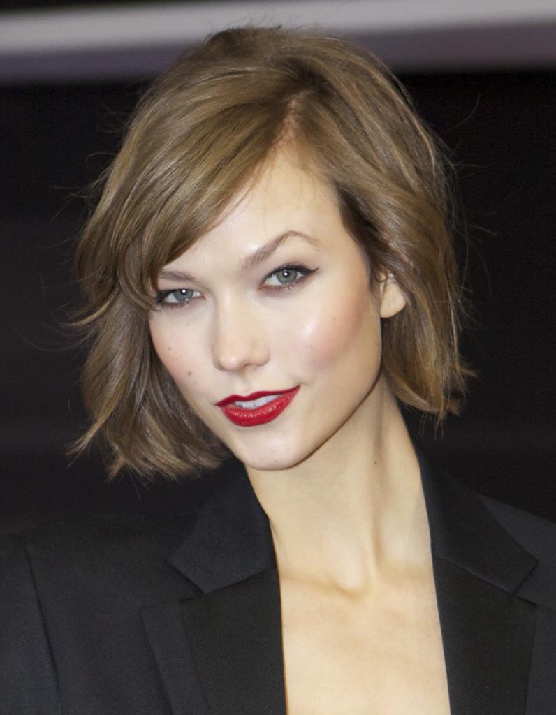 Le carré : la coiffure dans l'hair du temps - Elle