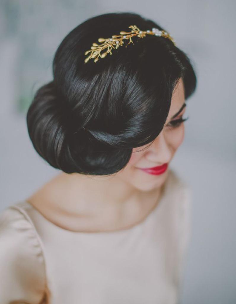 coiffure mari e r tro les plus jolies coiffures de mari e pour s inspirer elle. Black Bedroom Furniture Sets. Home Design Ideas