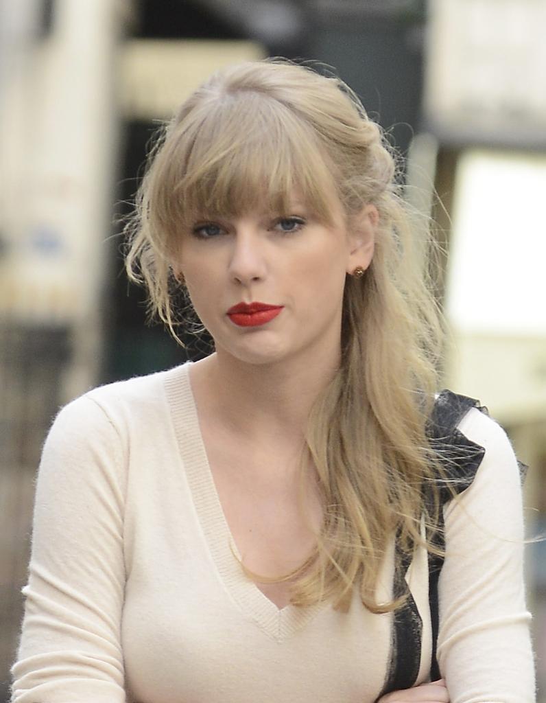 En haut Taylor Swift Cheveux Naturel OH31 | Montrealeast #TH_82