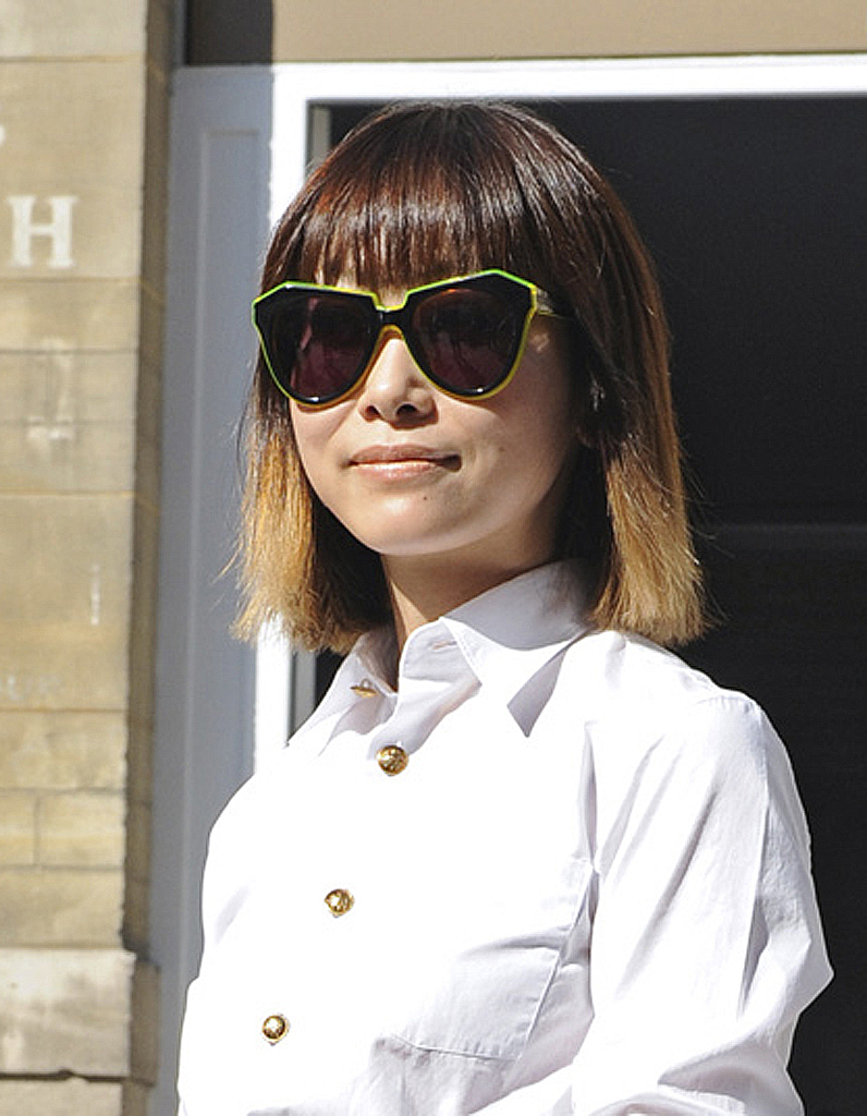 Tie dye au carr street style coiffure le tie and - Coupe carre tie and dye ...