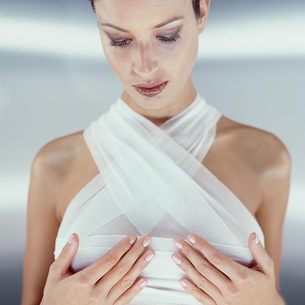 pt se mammaire tout ce qu 39 il faut savoir sur la mastopexie l 39 op ration contre la pt se. Black Bedroom Furniture Sets. Home Design Ideas