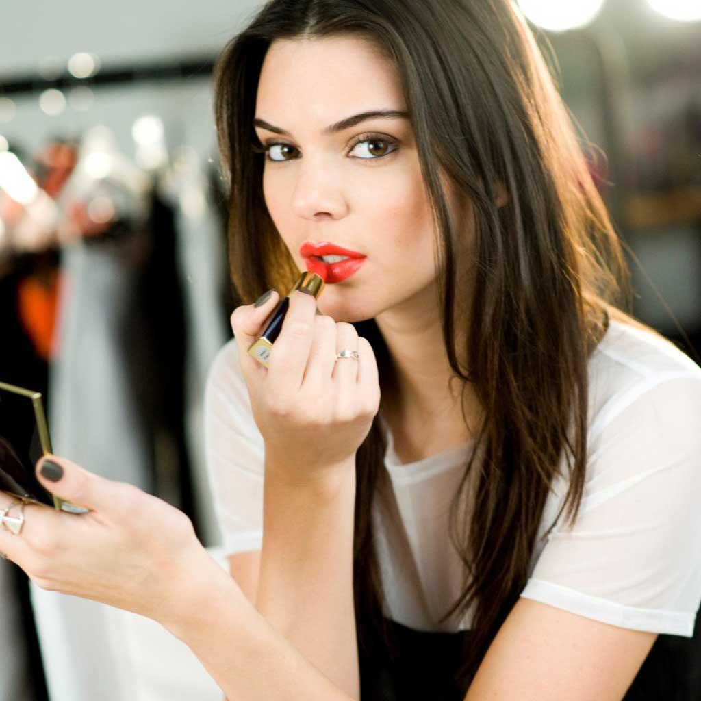 Comment faire le maquillage kendall jenner elle - Maquillage facile a faire ...