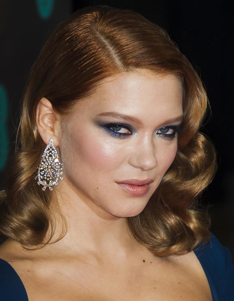 Robe bleu marine quel maquillage