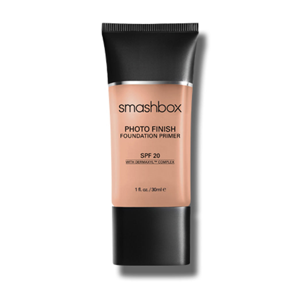 fond de teint waterproof smashbox 10 fonds de teint waterproof qui ont fait leurs preuves elle. Black Bedroom Furniture Sets. Home Design Ideas