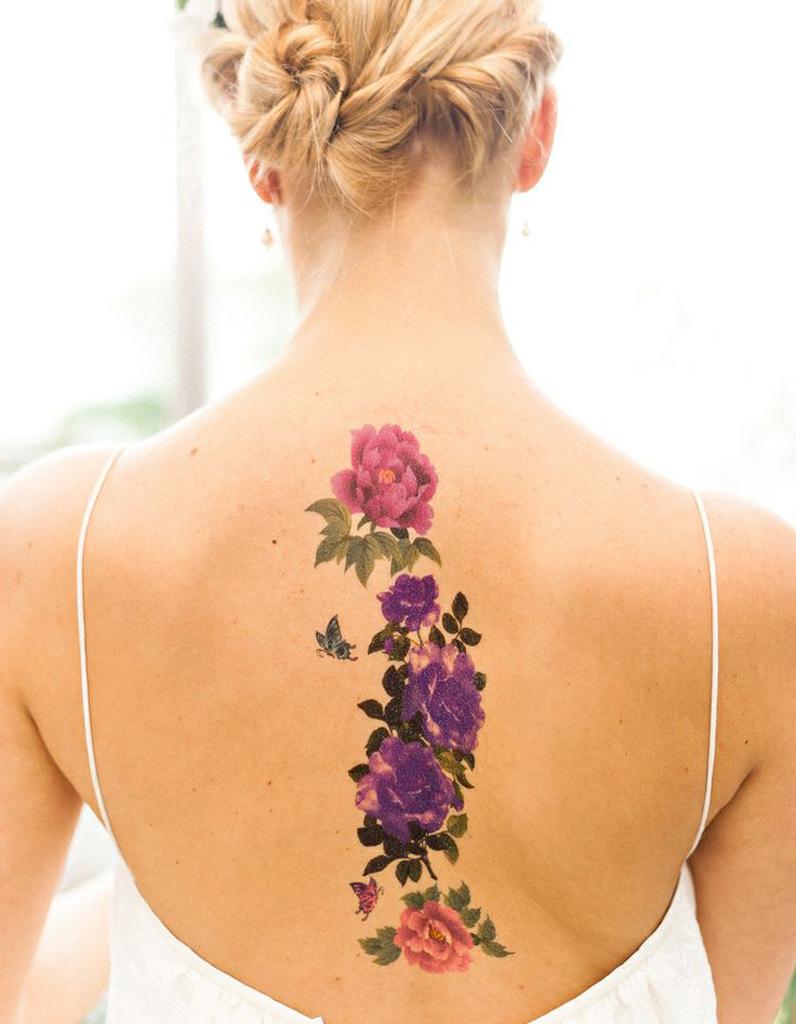 id e tatouage des fleurs aux jolies couleurs les 40. Black Bedroom Furniture Sets. Home Design Ideas