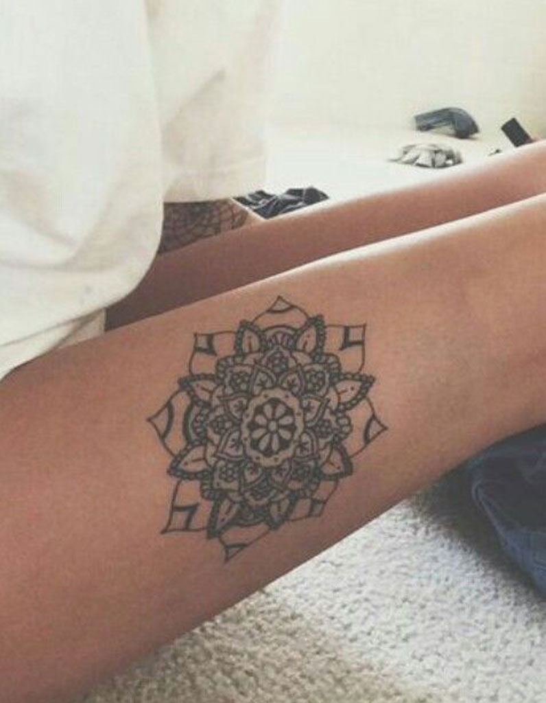 Tatouage cuisse dessin 15 tatouages sur la cuisse qui - Tatouage sur la cuisse ...