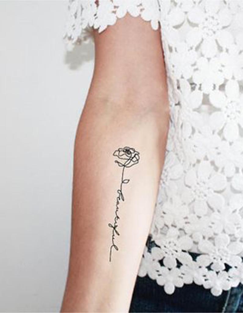 tatouage de plante fleur 15 tatouages de plantes et v g taux pour d corer sa peau elle. Black Bedroom Furniture Sets. Home Design Ideas