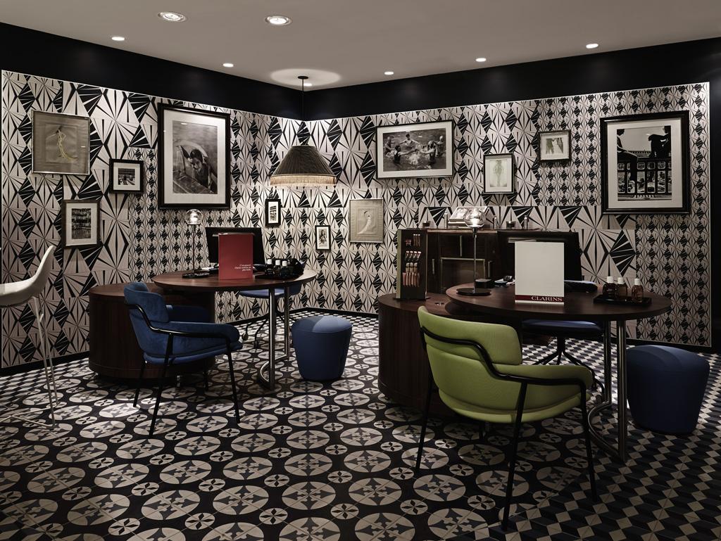 le massage quilibre de clarins l h tel molitor les meilleurs massages pour passer un moment. Black Bedroom Furniture Sets. Home Design Ideas