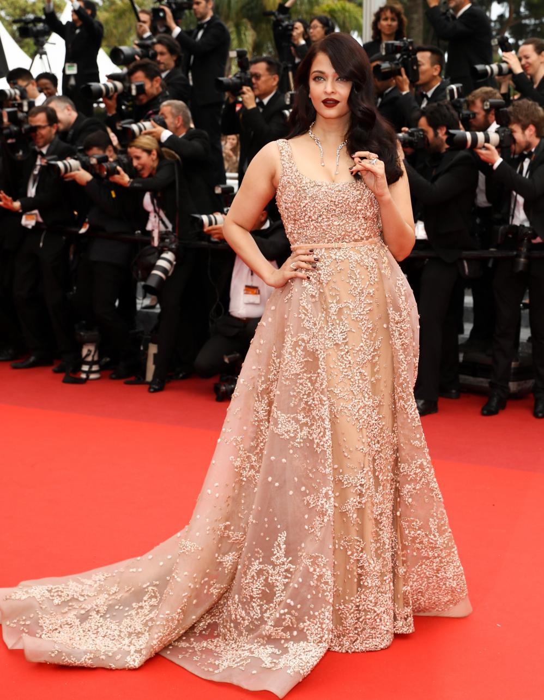 Le Look Du Jour De Cannes Aishwarya Rai En Elie Saab Elle