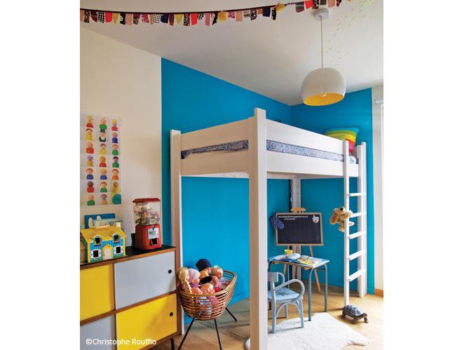 chambre gain de place ikea 20171019124755. Black Bedroom Furniture Sets. Home Design Ideas
