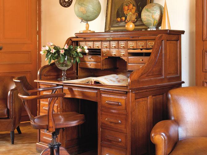 le charme fou des meubles de m tier elle d coration. Black Bedroom Furniture Sets. Home Design Ideas