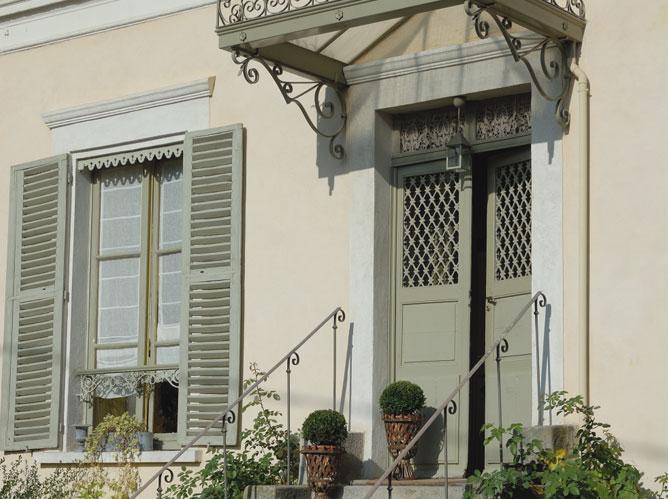 Les portes d 39 entr es donnent le ton elle d coration for Deco facade entree maison