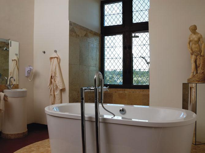 Les salles de bains voient grand elle d coration - Cout d une salle de bain ...