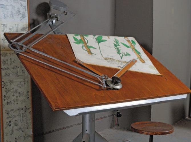 Mobilier industriel la touche m tal elle d coration - Table a dessin professionnelle ...