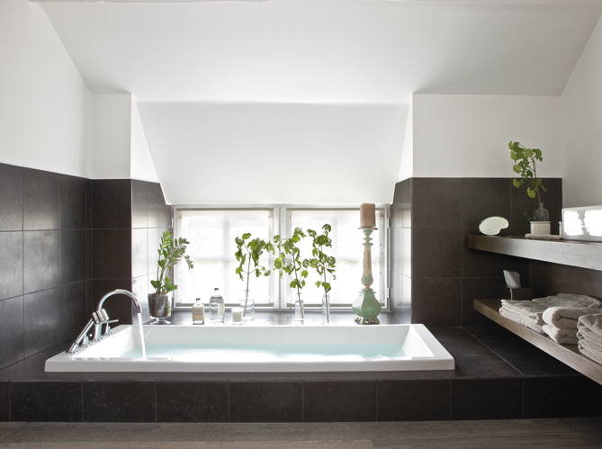 un loft dans une grange elle d coration. Black Bedroom Furniture Sets. Home Design Ideas