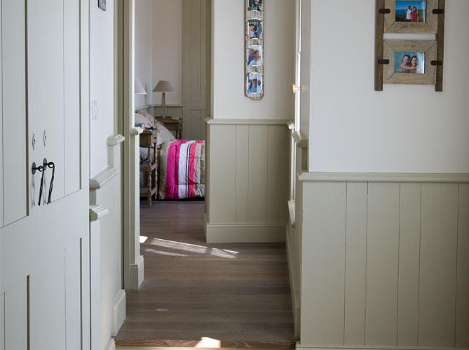 visite d 39 une charmante maison de l 39 le de r elle d coration. Black Bedroom Furniture Sets. Home Design Ideas