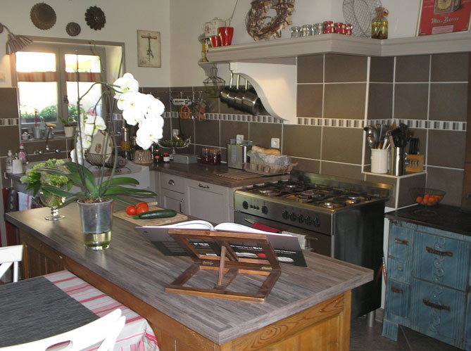 vos 50 plus belles cuisines elle d coration. Black Bedroom Furniture Sets. Home Design Ideas