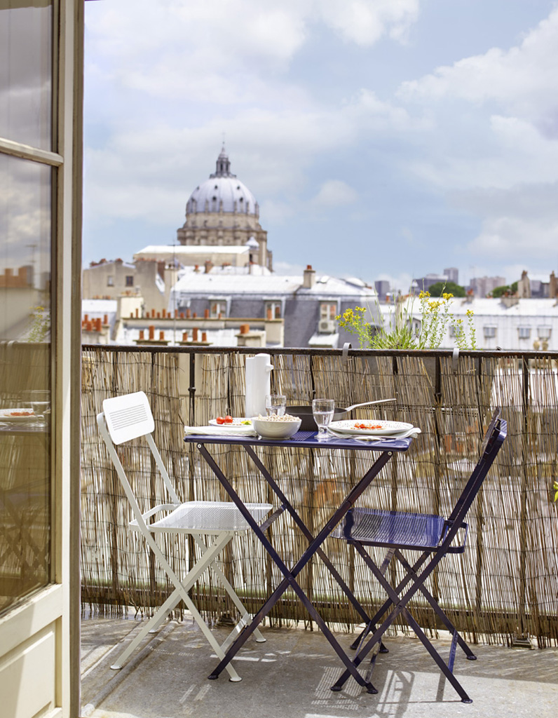 20 id es pour amenager un petit balcon elle d coration. Black Bedroom Furniture Sets. Home Design Ideas
