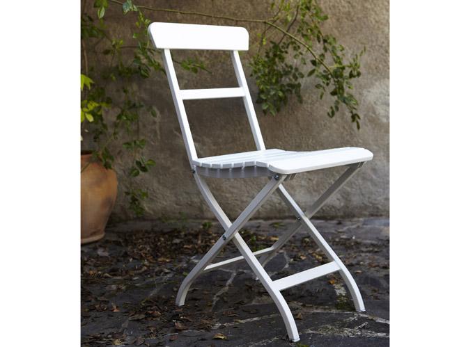 20 chaises de jardin pour profiter du soleil elle d coration for Chaise de jardin ikea