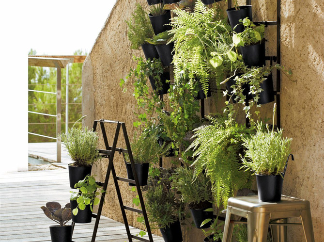 Equiper sa terrasse petit prix elle d coration for Plante a suspendre exterieur