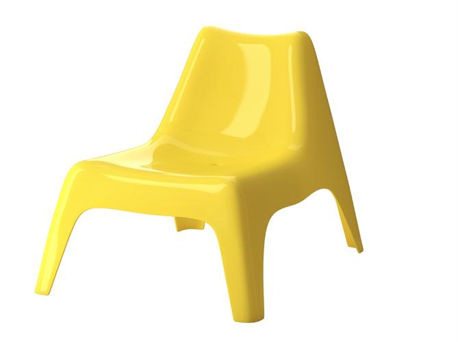 Cet t les meubles color s s invitent au jardin elle d coration - Ikea fauteuil plastique ...