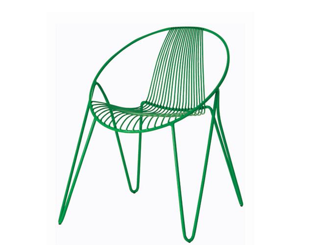Cet t les meubles color s s invitent au jardin elle - Chaise de jardin coloree ...