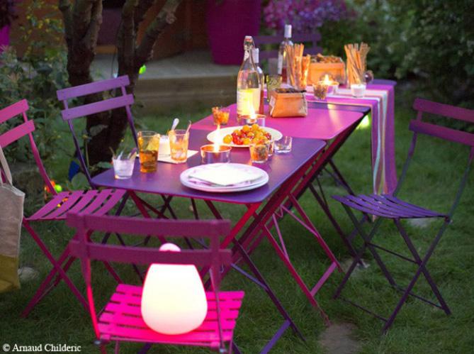Choisissez votre table de jardin elle d coration for Table de jardin deco