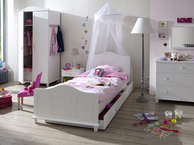 Des ciels de lit et lits baldaquin pour r ver elle d coration - Lit pour fille de 6 ans ...