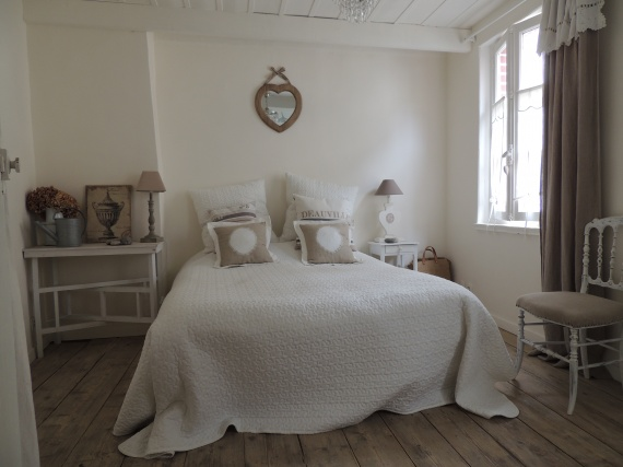 Visitez la chambre de elle d coration for Photo chambre romantique