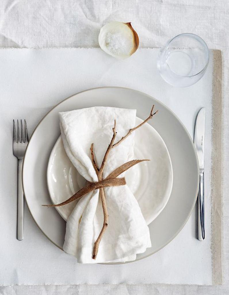 D coration de table d 39 hiver nos meilleures id es de d co de table pour l 39 hiver elle d coration - Decoration serviette de table ...