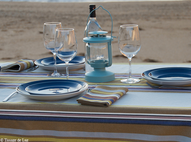 Cap sur les tables de bord de mer elle d coration - Deco table bord de mer ...
