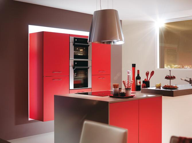 Une cuisine cach e dans un placard elle d coration - Rideaux pour placard de cuisine ...