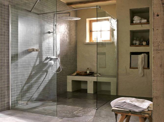 Douche l 39 italienne tous les styles sont permis elle - Douche italienne avec fenetre ...