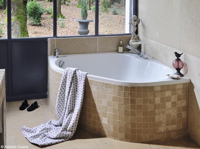 Faire Habillage Baignoire Bois : La baignoire se fait toute petite – Elle D?coration