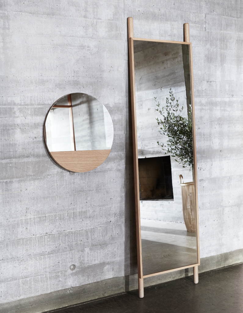 miroir de chambre sur pied trendy stave miroir blanc with. Black Bedroom Furniture Sets. Home Design Ideas