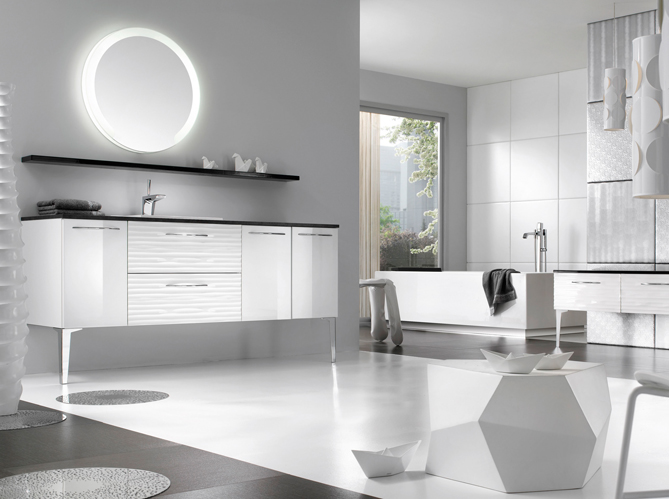 La salle de bains s 39 habille en noir et blanc elle d coration - Deco salle de bain grise et blanche ...