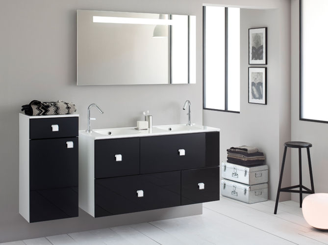 la salle de bains s 39 habille en noir et blanc elle d coration. Black Bedroom Furniture Sets. Home Design Ideas