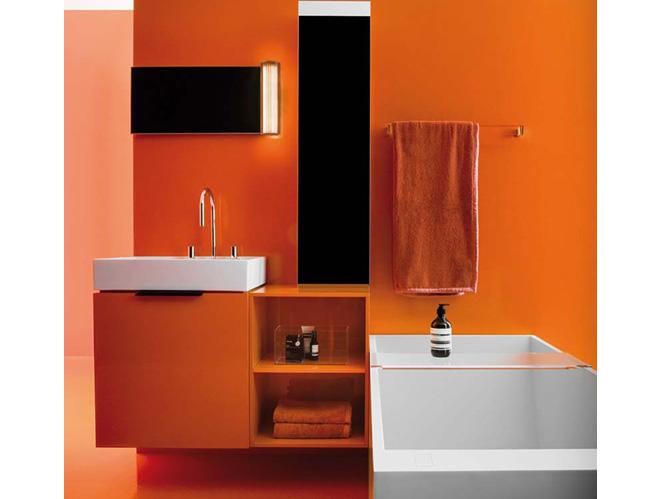 20 salles de bains color es elle d coration for Deco salle de bain orange